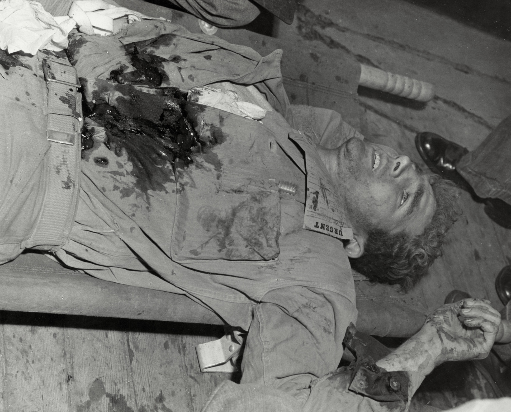 dickey-chapelle-photograph-dying-marine-copy