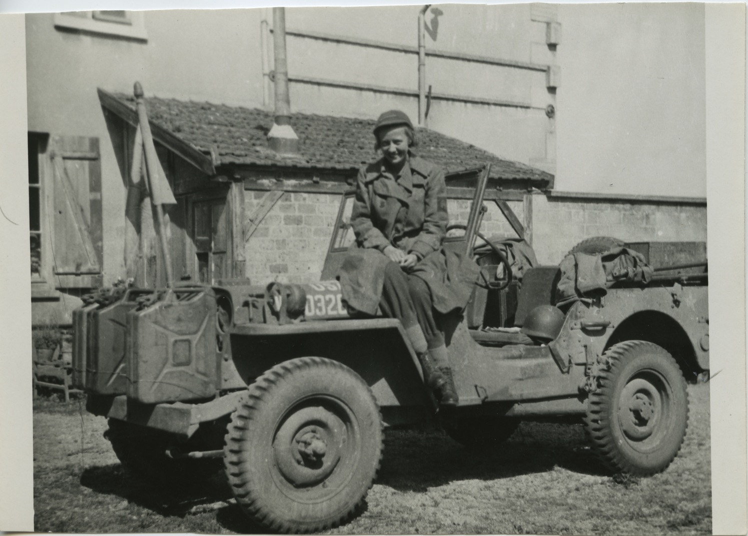 ruth-cowan-in-wwii-jeep_0